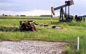 abandoned-oil-well